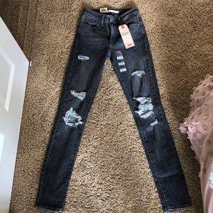 Women's High rise skinny Levi jeans